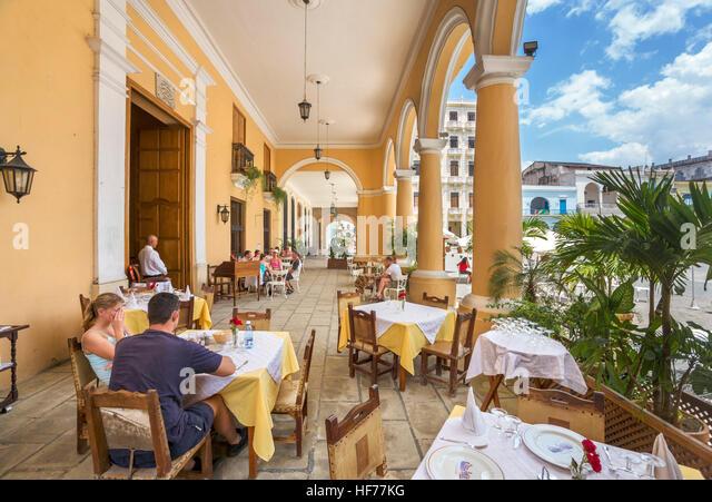 Havanna, Kuba. Restaurant im Plaza Vieja, Habana Vieja, Havanna, Kuba Stockbild