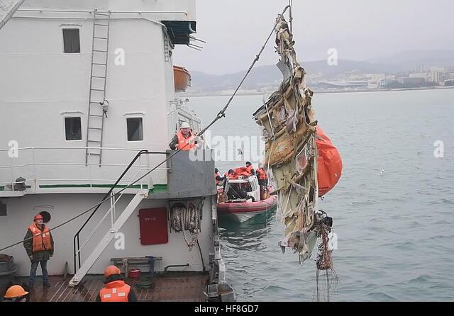 Sotschi, Russland. 29. Dezember 2016. Retieving Wrack des Flugzeugs aus dem Schwarzen Meer vor Sotschi Küste, Stockbild