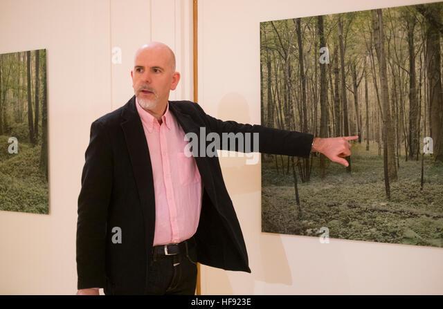 """ALED RHYS HUGHES, Dokumentarfotograf. in seiner Ausstellung """"Mametz"""" - eine Reihe von großformatigen Stockbild"""
