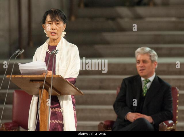 Burmesische demokratische Führer Aung San Suu Kyi Adressen beider Häuser des Parlaments in Westminster Stockbild