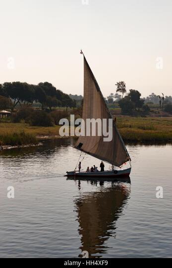 Gehen für einen Abend Segeln auf dem Nil in Ägypten Stockbild
