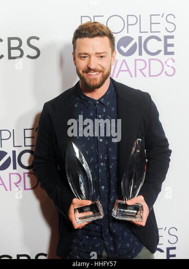 Los Angeles, USA. 18. Januar 2017. Justin Timberlake stellt mit den Auszeichnungen für männliche Lieblingssänger Stockbild
