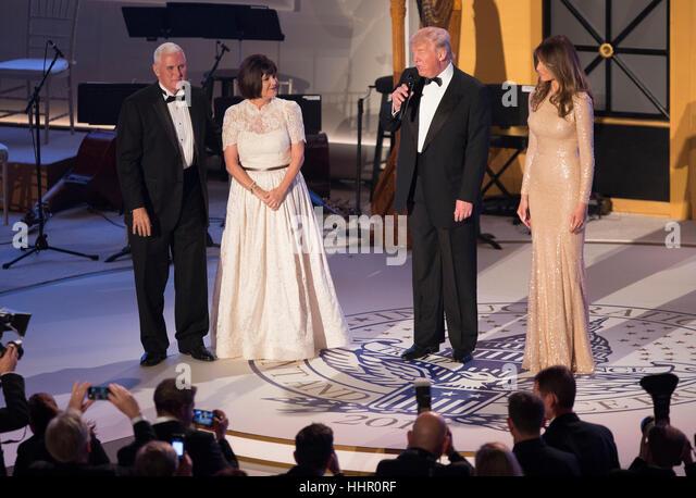 Washington, DC, USA. 19. Januar 2017. Vice President-Elect The United States Mike Pence, seine Frau Karen Pence Stockbild