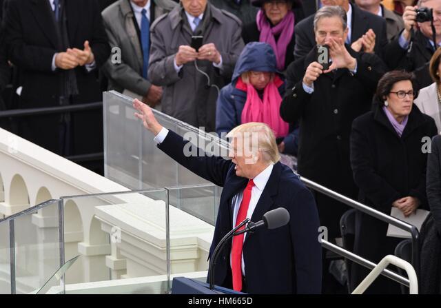 Präsident Donald Trump liefert seiner ersten Ansprache nach der Amtseid der 45. Präsident der Vereinigten Stockbild