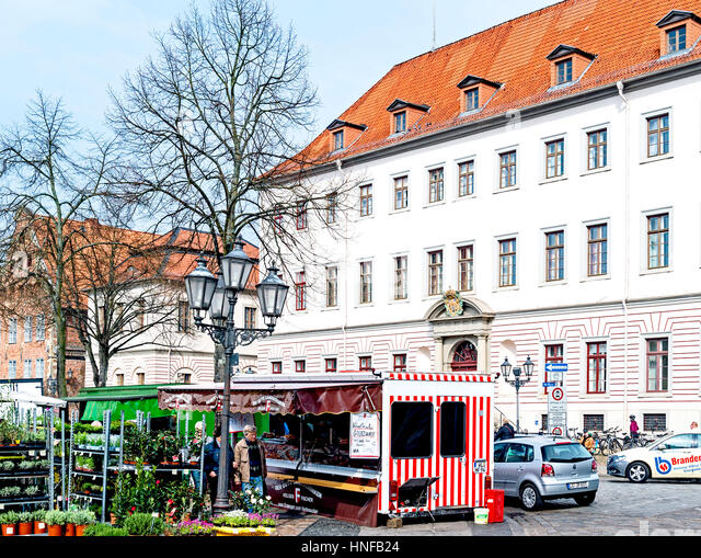 Lüneburg, Marktplatz Mit Gemüseständen; Lüneburg, Marktplatz mit Ständen Stockbild