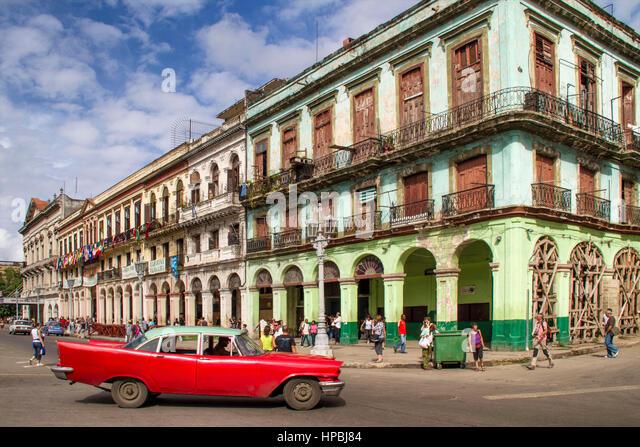 Ldtimer in Havanna Zentrum am Paseo de Marti in der Nähe von Capitol, Kuba Stockbild