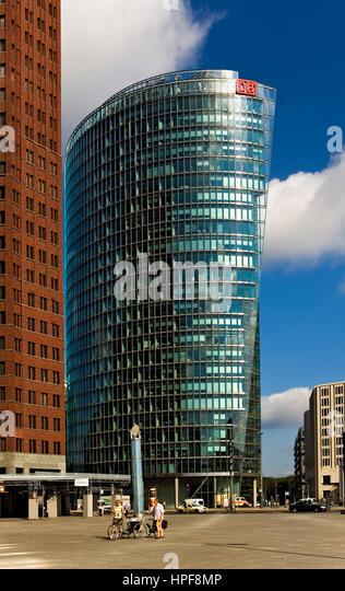 Potsdamerplatz.At richtige Deutsche Bahn bauen. Am linken Kollhoff-Tower. Berlin. Deutschland Stockbild