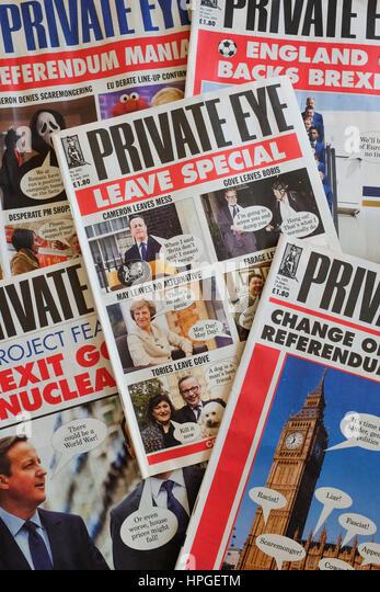 Ein Haufen von Private Eye Magazine. Stockbild