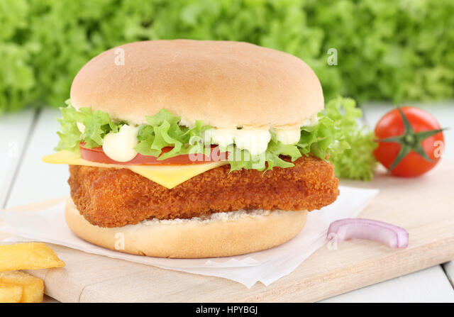 Fisch burger fishburger Hamburger Zwiebel Tomaten Salat Käse ungesund Stockbild