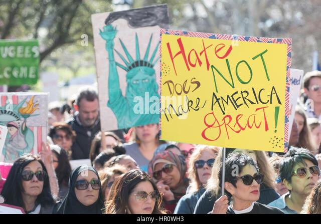 Austin, Texas, USA. 25. Februar 2017. Mehr als tausend Demonstranten konvergieren im Texas Capitol für einen Stockbild