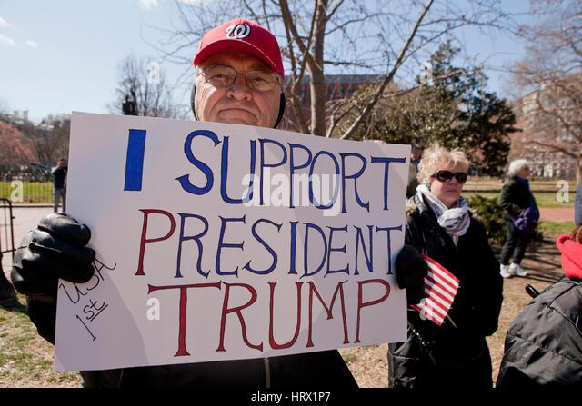 """Washington, DC, USA. 4. März 2017. Die """"Spirit of America"""" Rallye zieht eine kleine Menschenmenge Stockbild"""