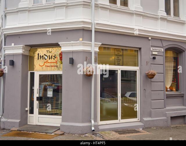 Das Indus Restaurant in Grunerlokka Oslo Norwegen, einer beliebten Wohngegend in der Innenstadt, auch bietet feine Stockbild