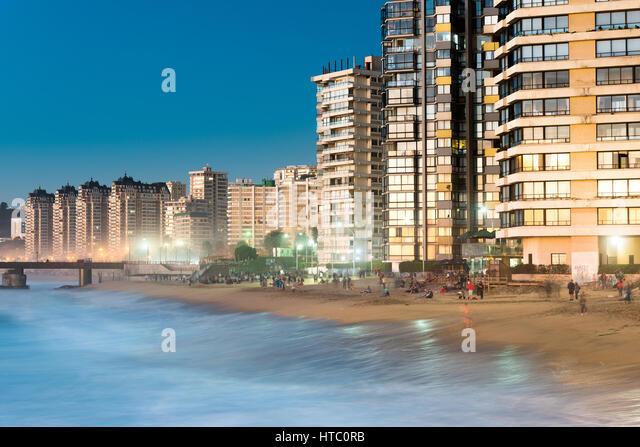 Viña Del Mar, V Region de Valparaiso, Chile - 15. August 2016: Acapulco Beach, der Hauptstrand in Viña Stockbild