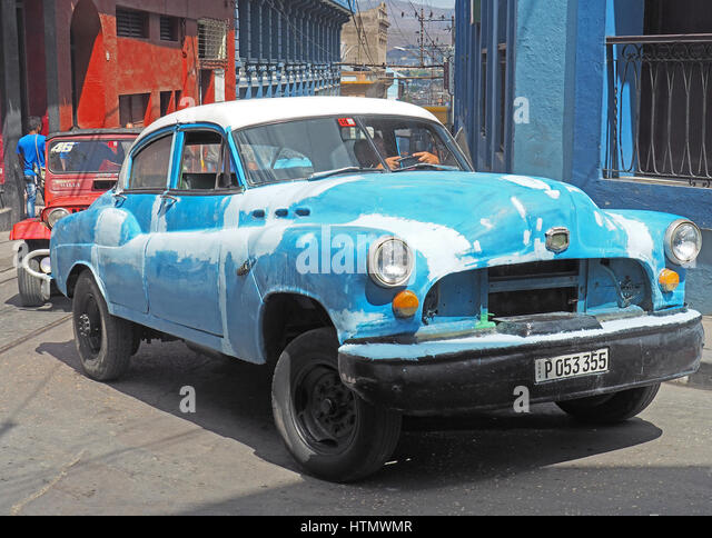 Unrestaurierten amerikanisches Auto in Santiago De Cuba. Stockbild