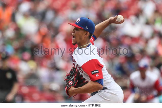 Guadalajara, Mexiko. 12. März 2017. Mike Avilés von Puerto Rico in Aktion während der World Baseball Stockbild