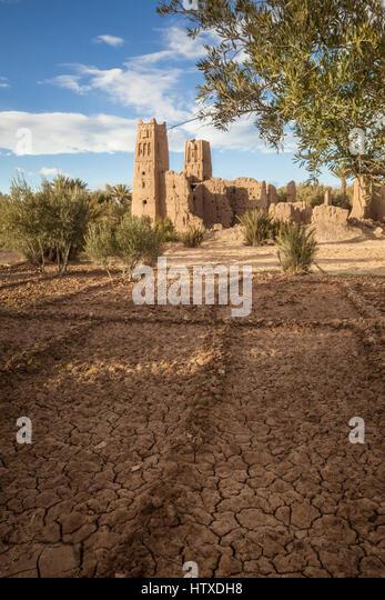 Verstorbenen Kasbah Marokkos. Die Ruinen einer Festung-Paläste, Kasbah oder Ksar, befindet sich in der trockenen Stockbild