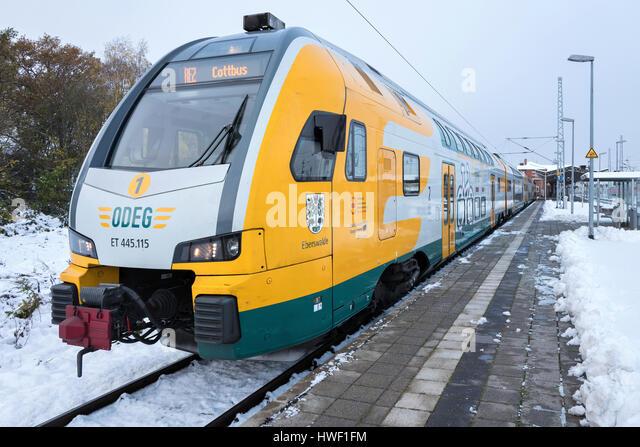 ODEG (ostdeutschen Eisenbahn GmbH) Regionalzug im Bahnhof von Wismar. Stockbild