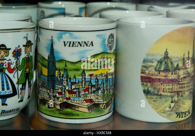 Souvenirbecher, Wien Stockbild