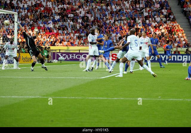 MATTERAZZI Partituren EQUALIZER Italien gegen Frankreich Olympiastadion BERLIN Deutschland 9. Juli 2006 Stockbild