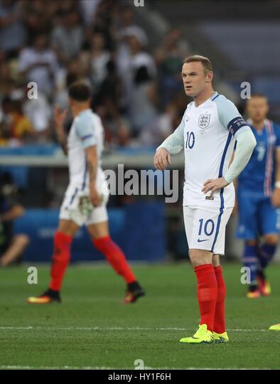 WAYNE ROONEY nach Island EQU ENGLAND V Island EURO 2016 R STADE DE NICE Nizza Frankreich 27. Juni 2016 Stockbild