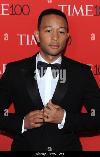 New York, NY, USA. 25. April 2017. John Legend auf 2017 mal 100 Gala feiert die 100 einflussreichsten Menschen der Stockbild