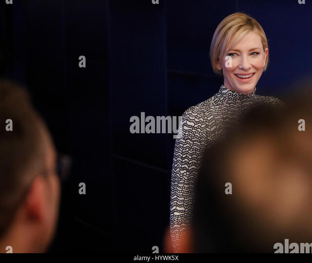 New York City, USA. 26. April 2017. Cate Blanchett besucht das Tribeca Film Festival-Screening des Manifests auf Stockbild