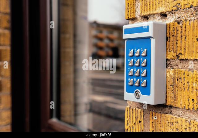 Veraltete Sprechanlage Gerät am Wohnhaus Eingang, selektiven Fokus Stockbild