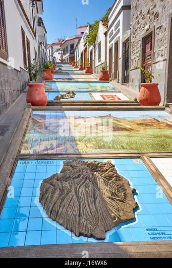 Keramikfliesen, zeigt Teile der Kanarischen Inseln, Firgas, Gran Canaria, Spanien Stockbild