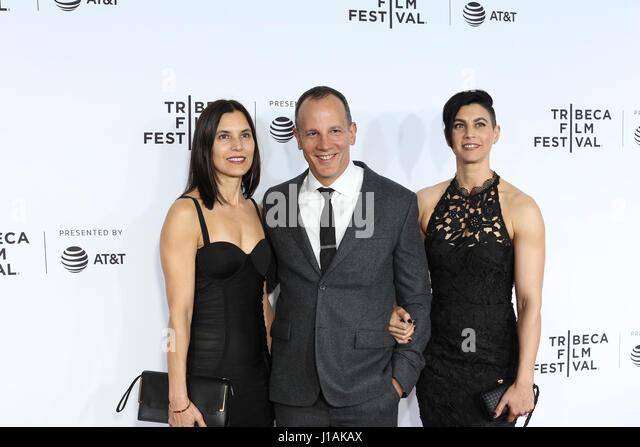 New York, USA. 19. April 2017. Tribeca CEO Adrew Essex kommt bei der 2017 Tribeca Film Festival Opening Night, Clive Stockbild