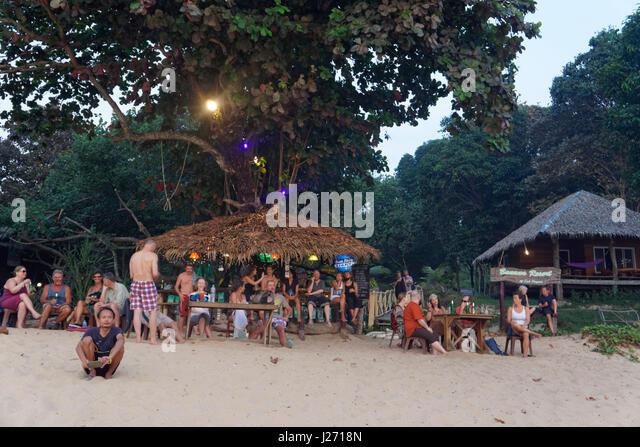 Banana Resort, Strandbar, Buffallo Bay, Ao Khao Kwai, Sonnenuntergang, Happy Hour, Cocktail Bar, Koh Phayam, Thailand Stockbild