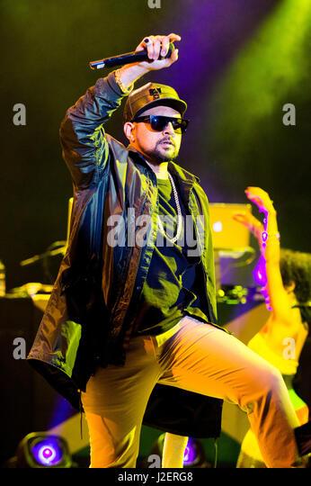 Robin Hill Country Park, Isle Of Wight, Großbritannien. 11. September 2016. Sean Paul und seine backup-Tänzer Stockbild