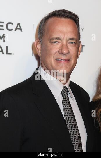 "NEW YORK, NY - 26.April: Rita Wilson und Tom Hanks ""The Circle"" Premiere während der 2017 Tribeca Stockbild"