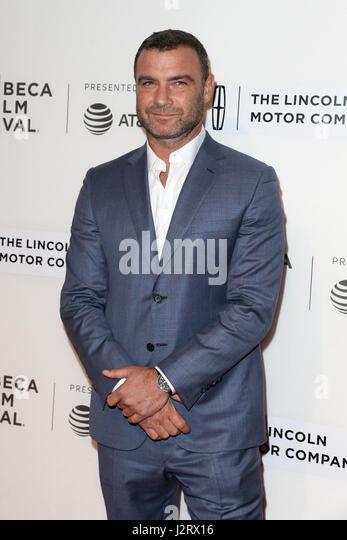 """New York, USA. 28. April 2017: Schauspieler Liev Schreiber besucht die """"Chuck"""" Vorführung beim BMCC Stockbild"""