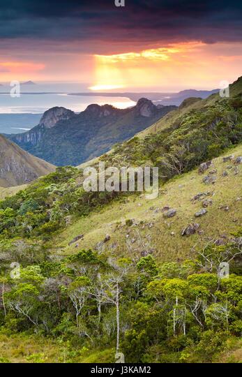Sonnenaufgang in Altos de Campana Nationalpark, Provinz Panama, pazifischen Abhang, Republik von Panama. Stockbild