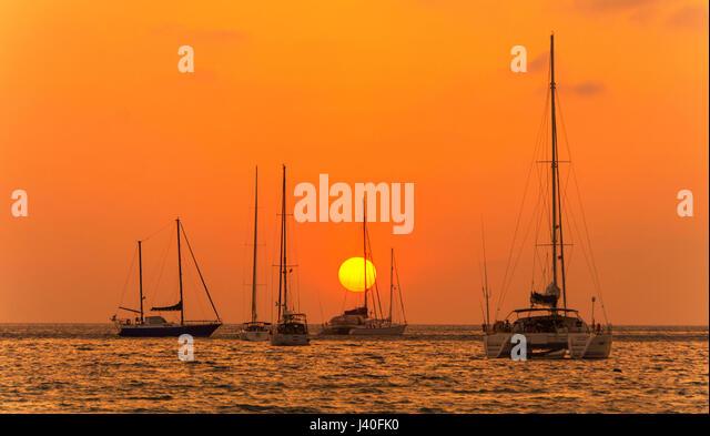 Sonnenuntergang am Nai Harn Beach Phuket Insel Süd-Thailand-Südostasien Stockbild