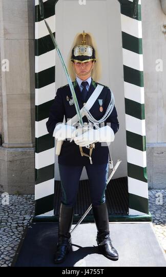 Porträt eines portugiesischen Nationalen Republikanischen Garde Soldatin im Präsidentenpalast in Belem, Stockbild