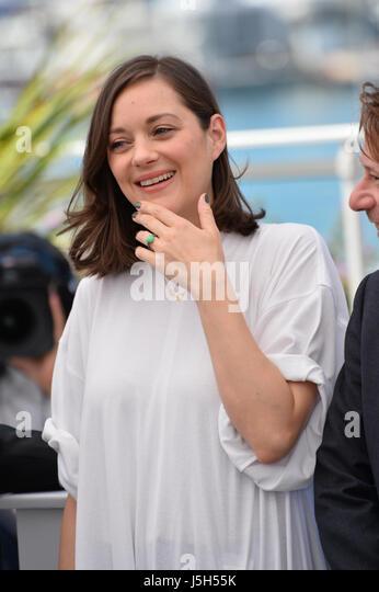 Cannes, Frankreich. 17. Mai 2017. CANNES, FRANKREICH. 17. Mai 2017: Marion Cotillard bei dem Fototermin für Stockbild