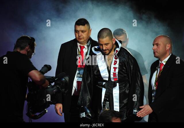 Einlauf von Hüseyin Cinkara, Cruisergewicht Kampf gegen Alexander Todorovic. EG-Box-Event 2017, Barclaycard Stockbild