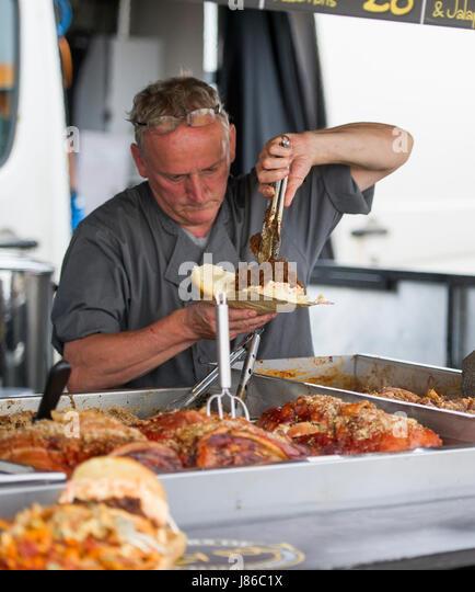 Brighton, UK. 27. Mai 2017. Trotz kühler Feiertag Wetter der Brighton und Hove Food and Drink Festival war Stockbild