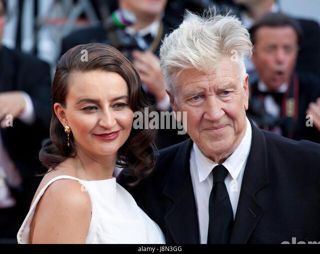 Cannes, Frankreich. 28. Mai 2017. Emily Stofle und Regisseur David Lynch Ankunft auf der Closing Ceremony und Auszeichnungen Stockbild