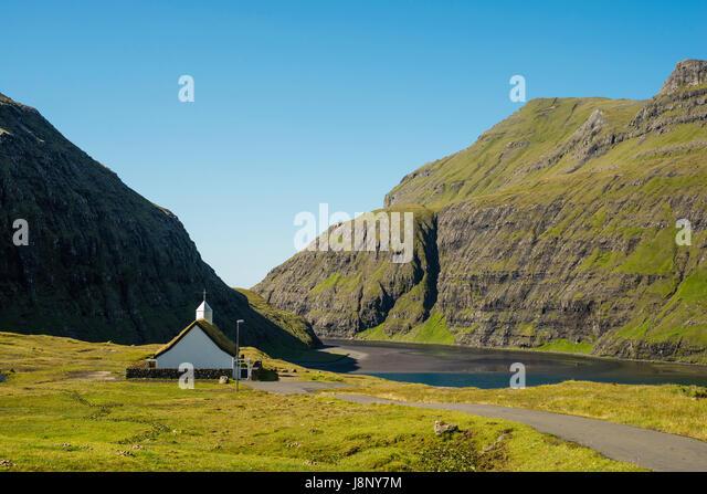 Kleine Kirche in Bergen an See Stockbild
