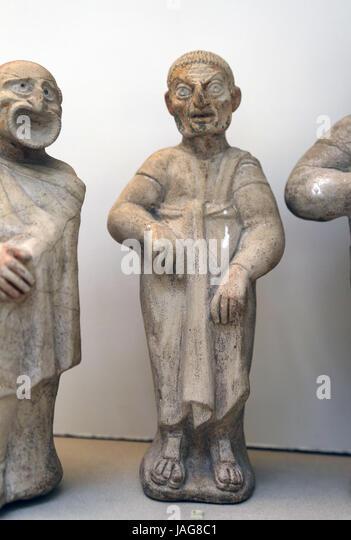 Terrakotta-Figur der Komiker. Etruskische. 2. Jh. BC. Canino, Italien. Schauspieler tragen Maske der rustikal. British Stockbild