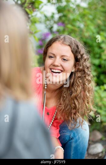 Junge Frau lachen Stockbild