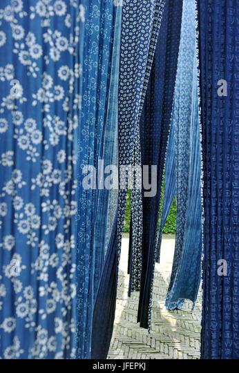 China, Provinz Zhejiang, Wuzhen Dorf, Batik-Herstellung Stockbild