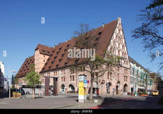Mauthalle bin Hallplatz, Fernsehumsetzer Salz-Und Kornspeicher, Heute Sitz der Barfüßer Brauerei Mit Gäststätte, Stockbild