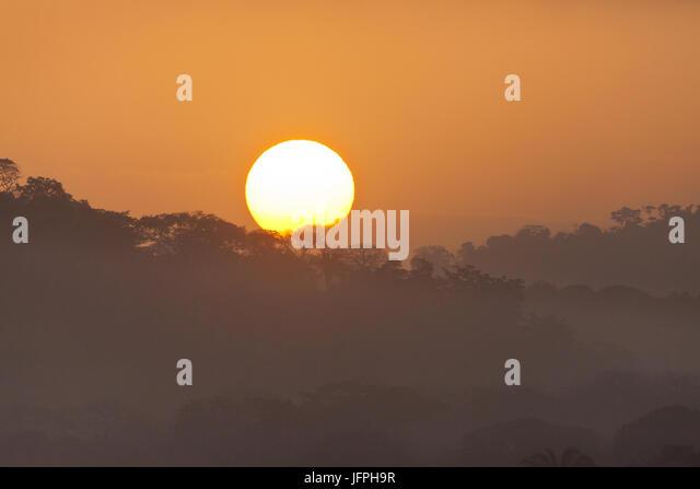 Sonnenaufgang im Soberania Nationalpark, Republik von Panama. Stockbild