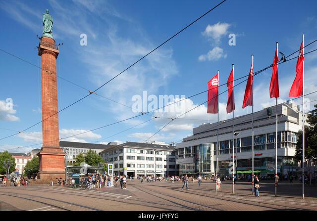 Platz der Luisenplatz mit Ludwigsmonument Columne, Darmstadt, Hessen, Europa I Luisenplatz Mit Ludwigsmonument Und Stockbild