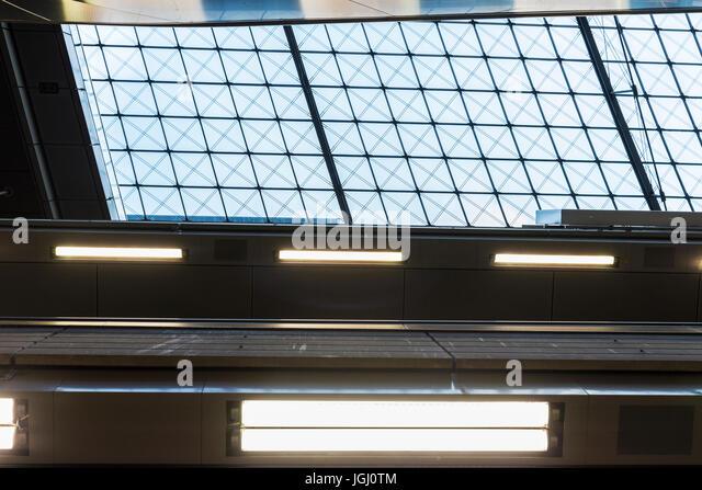 Abstraktionen in Berlin Central Station, der Hauptbahnhof in Berlin, Deutschland Stockbild
