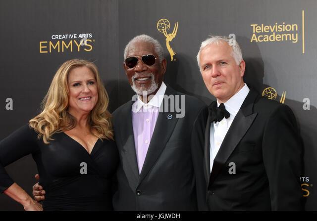 Los Angeles, CA, USA. 11. September 2016. LOS ANGELES - SEP 11: Lori McCreary, Morgan Freeman, James Younger bei Stockbild