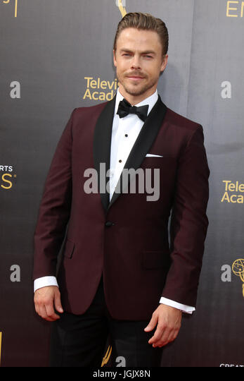 Los Angeles, CA, USA. 11. September 2016. LOS ANGELES - SEP 11: Derek Hough bei den 2016 Primetime Creative Emmy Stockbild